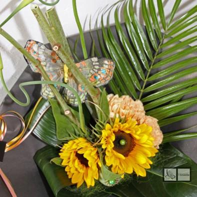 Helianthus boeket met vlinder